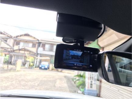 アウディA3のドライブレコーダー取り付け例