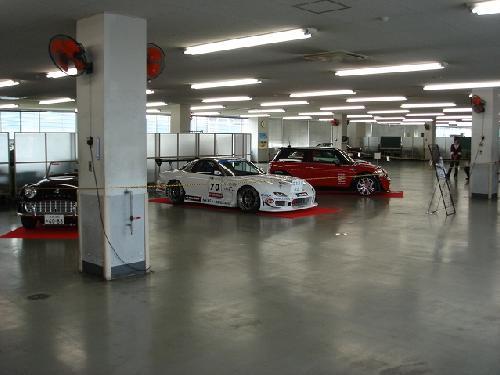 レースカーの展示