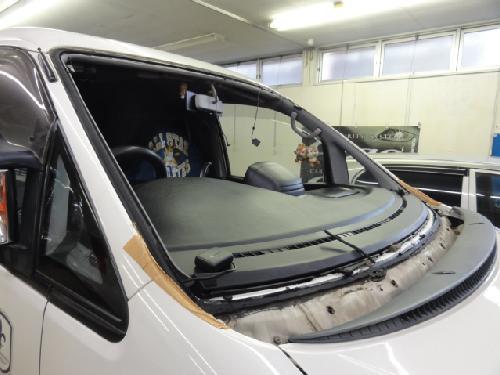 デリカ フロントガラス 修理 クールベール セキュリティー さいたま市 埼玉 上尾