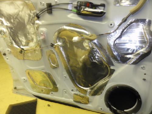 ワゴンR スティングレー スピーカー交換 デッドニング ドア スピーカー カロッツエリア