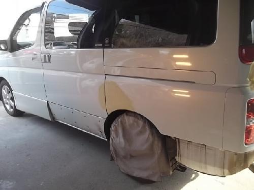 日産 E51エルグランド後期ハイウェイスター 左スライドドア板金リヤフェンダー板金フロントバンパー塗装修理