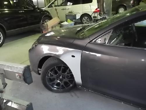 アクセラ 左フロントフェンダー板金修理 社外クリスタルサイドマーカー取替 ガラスコーティング再施工