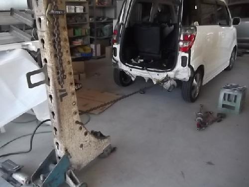 ホンダライフN-BOX+ゼストスパークN-ONEバックドアヘコミ交換リヤバンパー交換バックパネル板金塗装修理