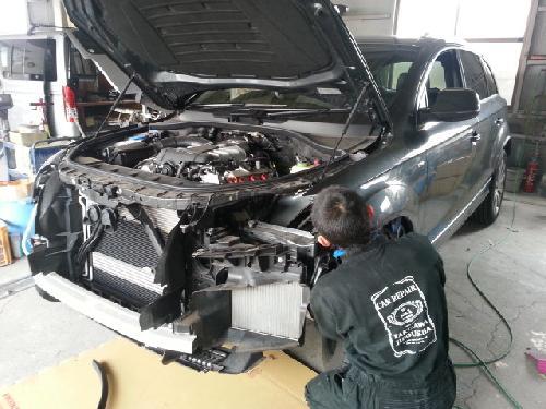 アウディQ7Q5R8A4687左フロンフェンダー、リヤドアフロントバンパー板金塗装修理千葉東京茨城埼玉