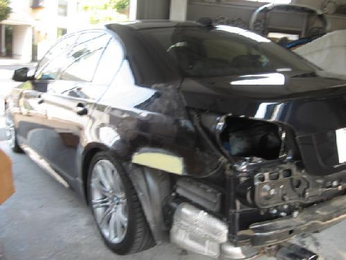 BMW525I545320い3186シリーズ7シリーズフロントバンパーリヤバンパースリ傷ぶつけてしまった時凹んだ事故あしまわり千葉松戸柏鎌ヶ谷船橋市川のうまい板金屋塗装修理タキザワ自動車新車ディーラー指定工場
