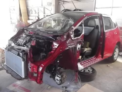 ホンダフィットフレーム修正 ドア板金塗装修理 千葉松戸柏鎌ヶ谷タキザワ自動車ホンダディーラー指定工場
