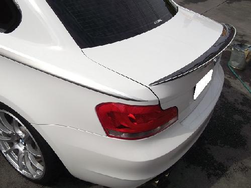 BMW135I320I318I745I3シリーズ4シリーズ5シリーズ6シリーズ7シリーズカーボンスポイラー取付け事故キズヘコミ板金塗装カスタム修理千葉柏松戸