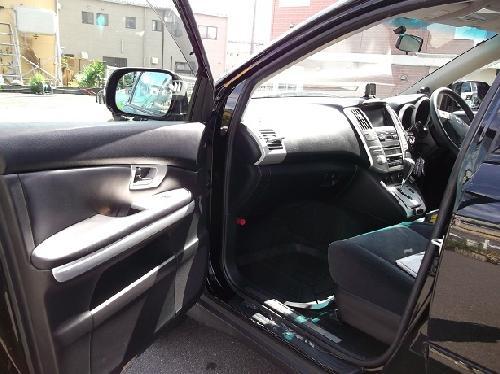 30ハリアー 内装パネル 木目部をマットシルバー 艶消しシルバーに塗装 カスタムペイント 松戸市 板金塗装 タキザワ自動車
