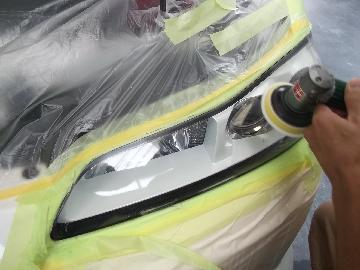 ヘッドライトの黄ばみ除去 シルビア エルグランド ノート ティーダ アルファード ヴェルファイア エスカレード ナビゲーター ダッジマグナム プリウス フィット オデッセイ 松戸 タキザワ自動車 アクア キューブ ベンツ BMW ジャガー
