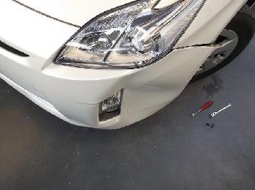 TOYOTA プリウス フロントバンパー 変形したへこみ 簡易修理 熱処理 千葉 松戸 板金 安い修理