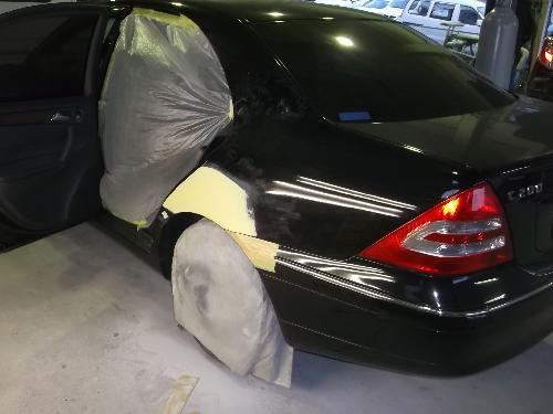 メルセデスベンツ W203 C200コンプレッサー E320 CLA CLK CLS クラス AMG アバンギャルド SLK S500 S600 A160 A170 B170 左リヤフェンダーキズヘコミ 板金 塗装 修理 松戸 柏 市川 鎌ケ谷 タキザワ自動車 ディーラー指定工場