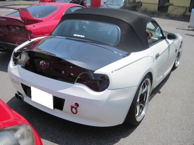 BMW Z4 ケンスタイル リアウイング 取り付け塗装
