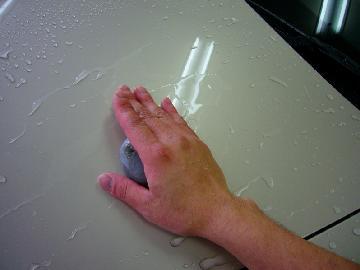 (3)ネンド使用しての鉄粉除去作業