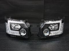 �W型LEDBAR プロジェクターヘッドライト【ハロゲン】 ブラックインナー 【シーケンシャルウインカー】【レべライザー内蔵】