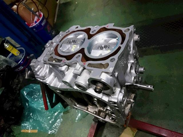 EJ20 エンジン組み付け