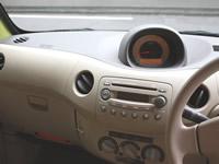 車のエアコンの効きが悪い…。冷たい風が出ない…。