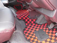 200I-013 200系 赤×黒シリーズ フロアマット