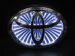 TOYOTA汎用 3D LED エンブレム 《ホワイト》