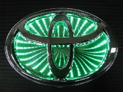 TOYOTA汎用 3D LED エンブレム 《グリーン》