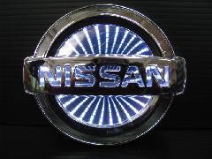 NISSAN汎用 3D LEDエンブレム 《ホワイト》