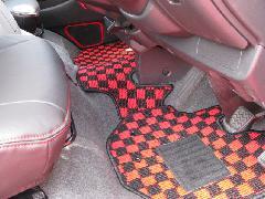 200I-013 200系ハイエース 赤×黒シリーズ フロアマット