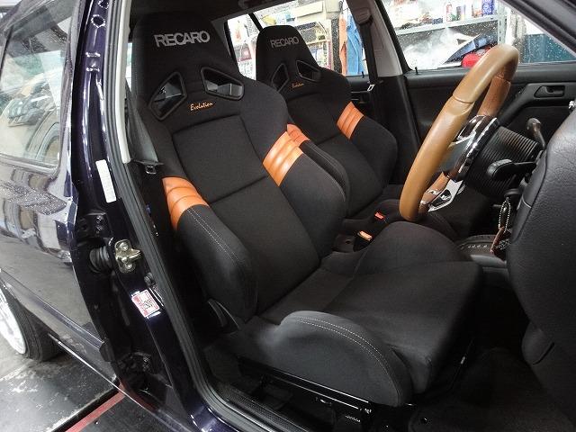 レカロ SR7