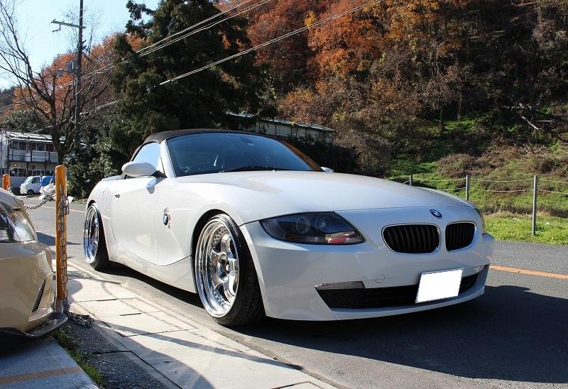 BMW Z4 オールペン、ホイール、トランクスポイラー製作、各部スムージング加工