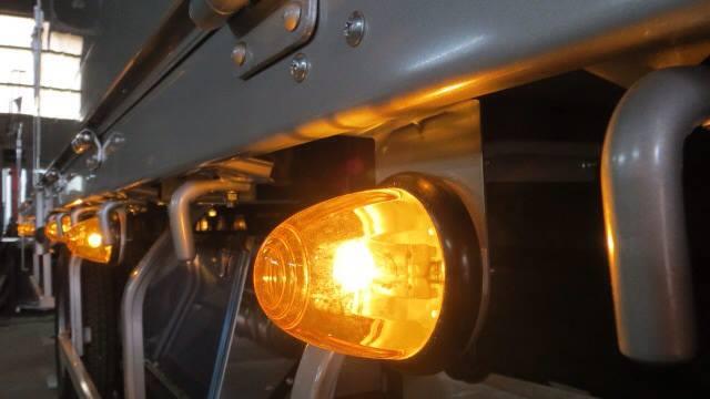 トラック マーカー ランプ