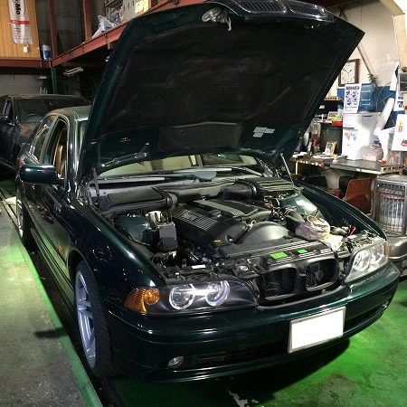 神奈川県からBMWのお客様。一年点検で修理も対応