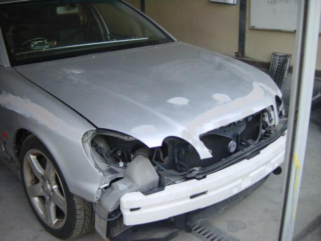 事故の原因で破損しました。