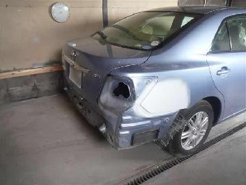 トヨタ リアバンパー修理