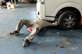 トラック、建設機械整備