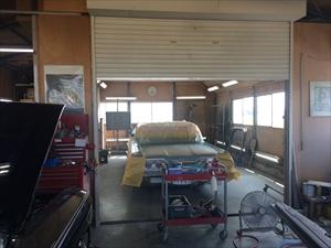 自社整備・板金塗装工場