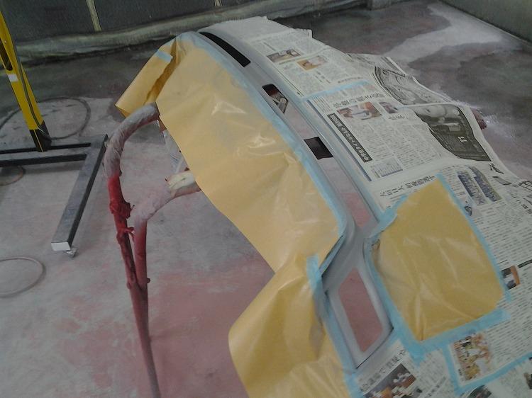 サフェーサーを塗装