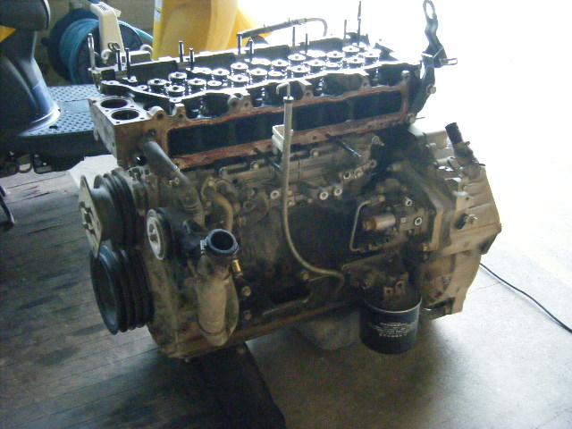 取り出したエンジン