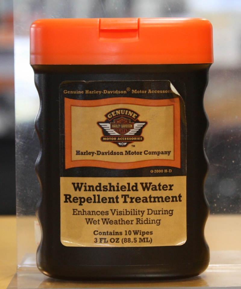 WINDSHIELD WATER REPELLENT TREATMENT