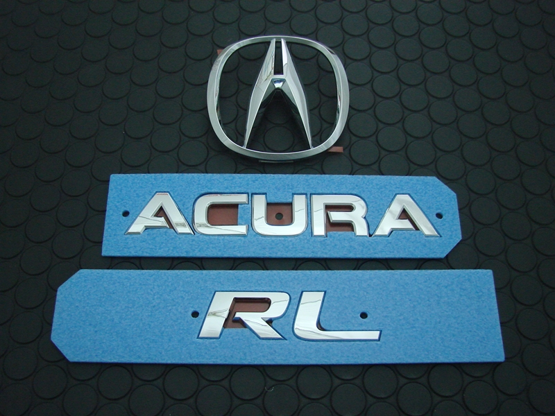 RL REAR EMBLEM SET