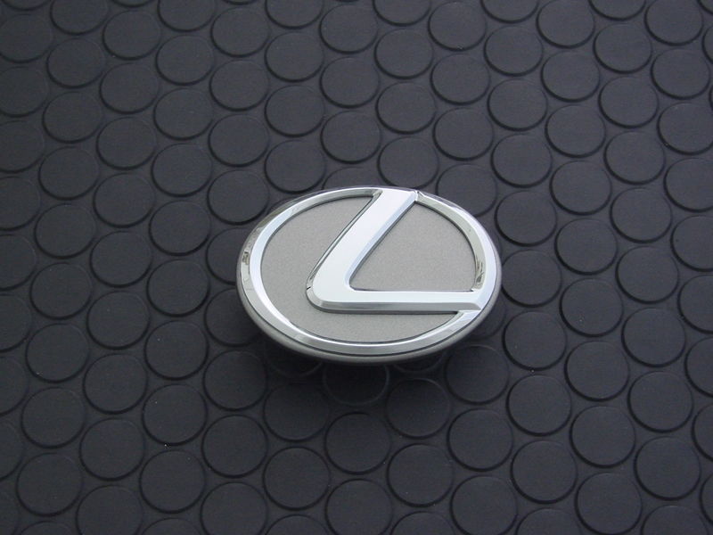 ENGINE COVER EMBLEM(3.0L用)