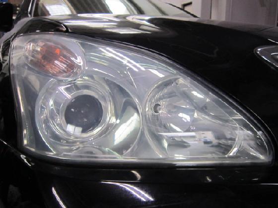 ヘッドライト 磨き コーティング  左右比較