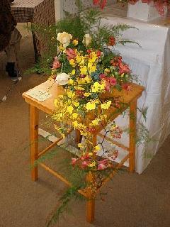 花があふれる花瓶