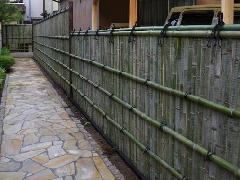 竹垣の設置工事