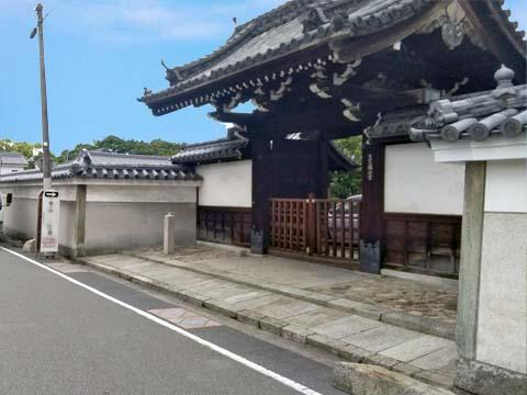 銀山寺山門
