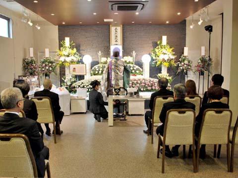 花水木の祭壇