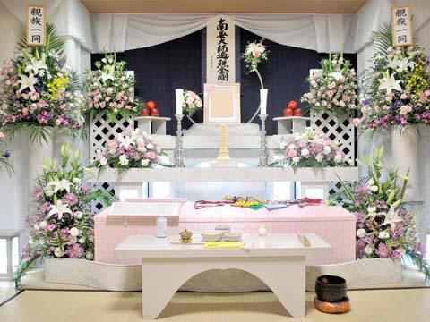 北斎場小式場の祭壇
