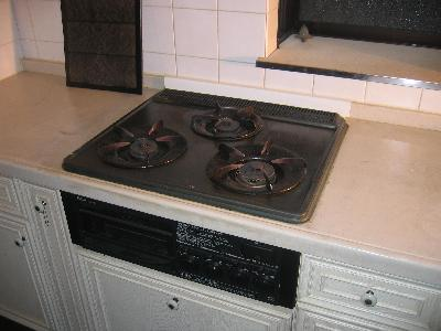 ごとく、受け皿は焦げ付いて最悪の状態でした