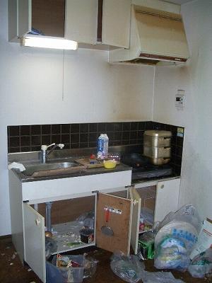 汚れも荷物も大変なキッチンが・・・