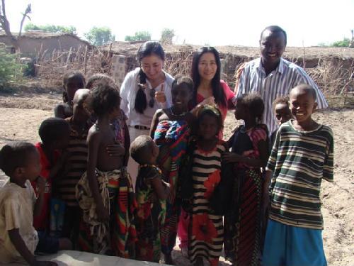 マラリアエリアの子どもたちと