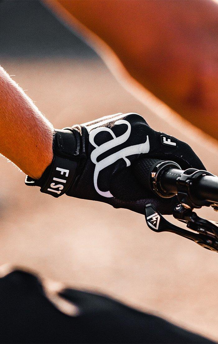Fist Ride Glove - Black Womens グローブ
