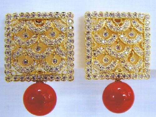 オーダーメイドジュエリーK18サンゴ(10mm)ダイヤモンド(0.85ct)イヤリング