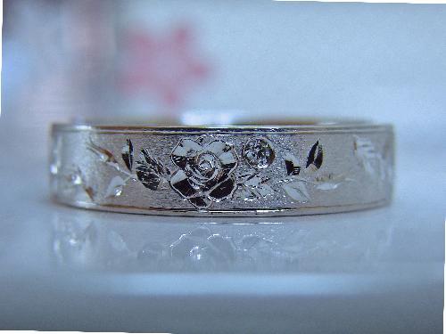 一本だけの マリッジリング 薔薇立体彫金エタニティー ダイヤモンド1/100ctハ−ト&キューピット